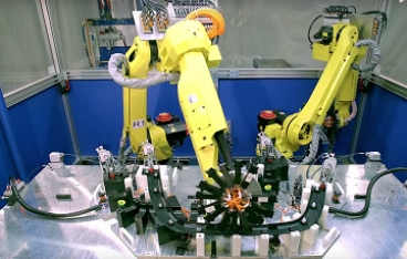 Robotic plastic clip assembly automation