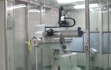 Yushin cleanroom take-out robots