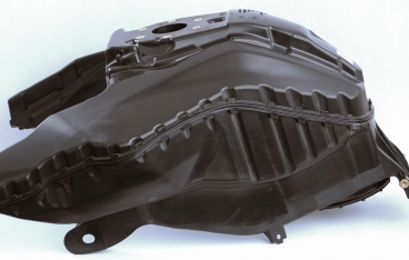 Double-shell, welded motorcycle tank